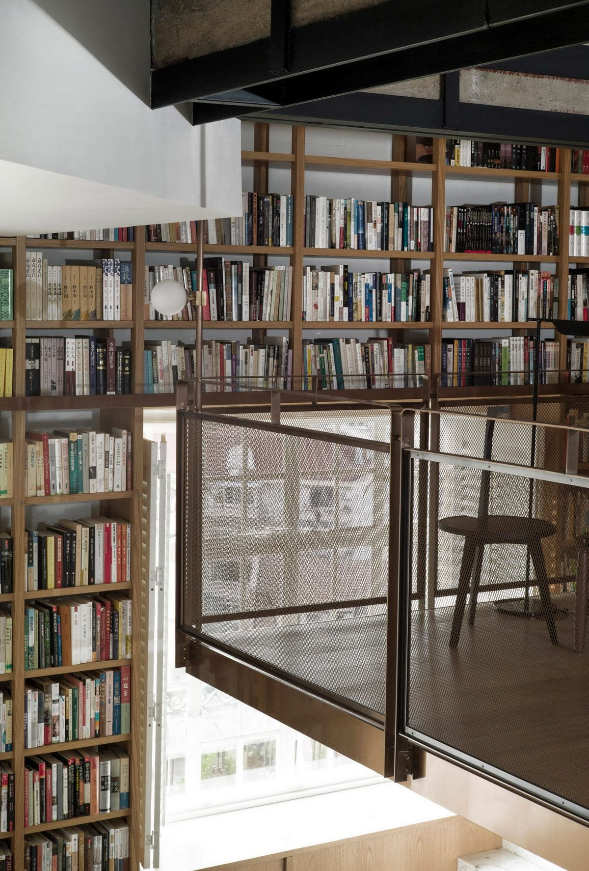 SHANGHAI APARTMENT | Library home by Atelier TAO-C