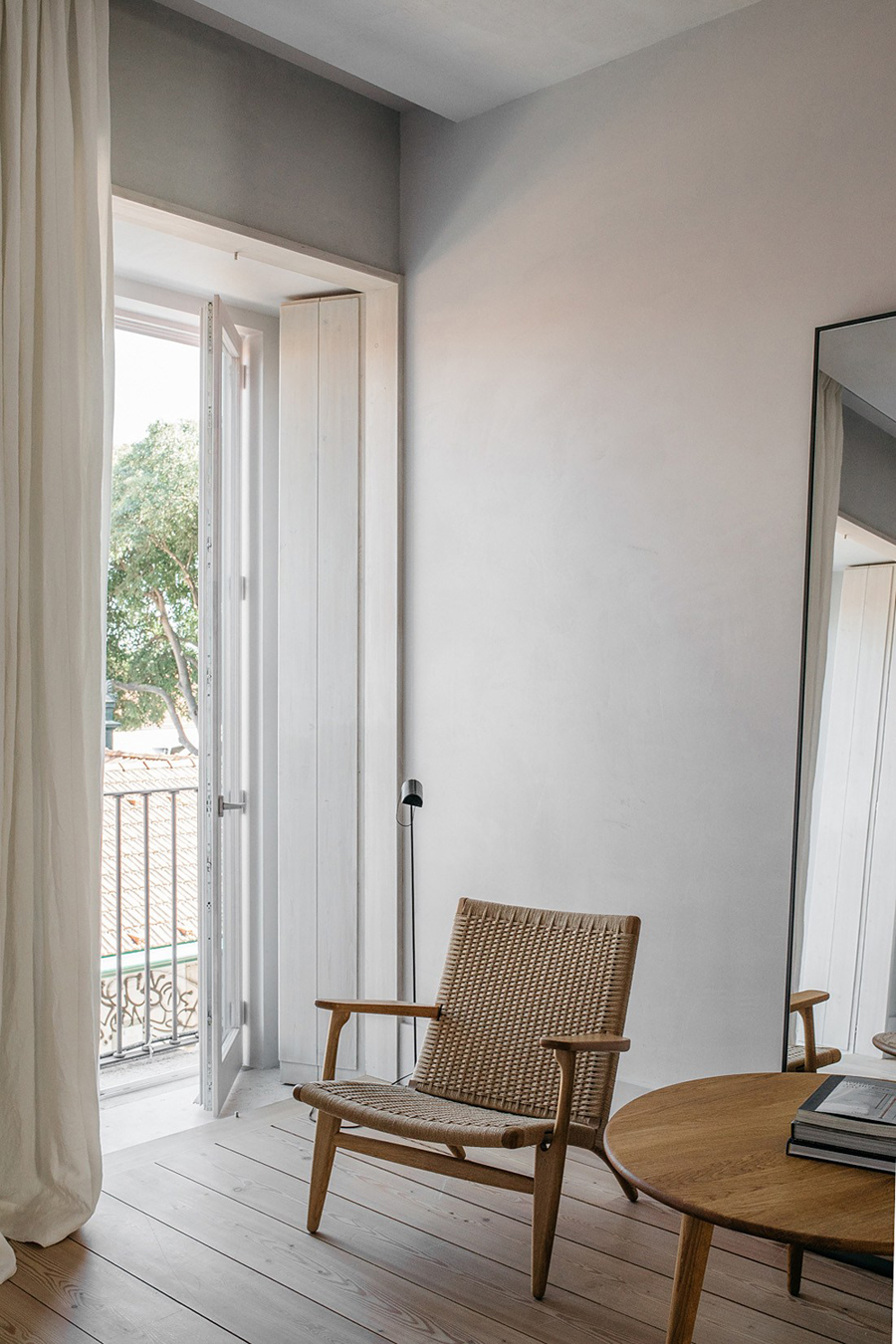J.Wagner chair for Carl Hansen, rattan armchair, dinning area, hotel design, santa clara hotel, lisbon hotel, interior design, bedroom, suite